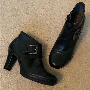 Comfy heeled booties - EUC